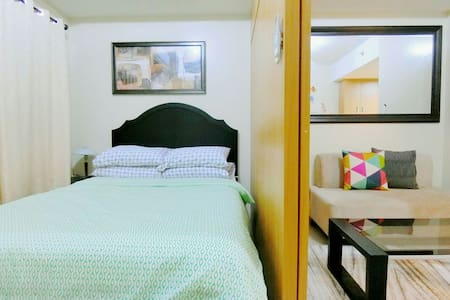 SHELL RES 12F:New Modern Room,MOA,WiFi and Balcony - Pasay City - Condomínio