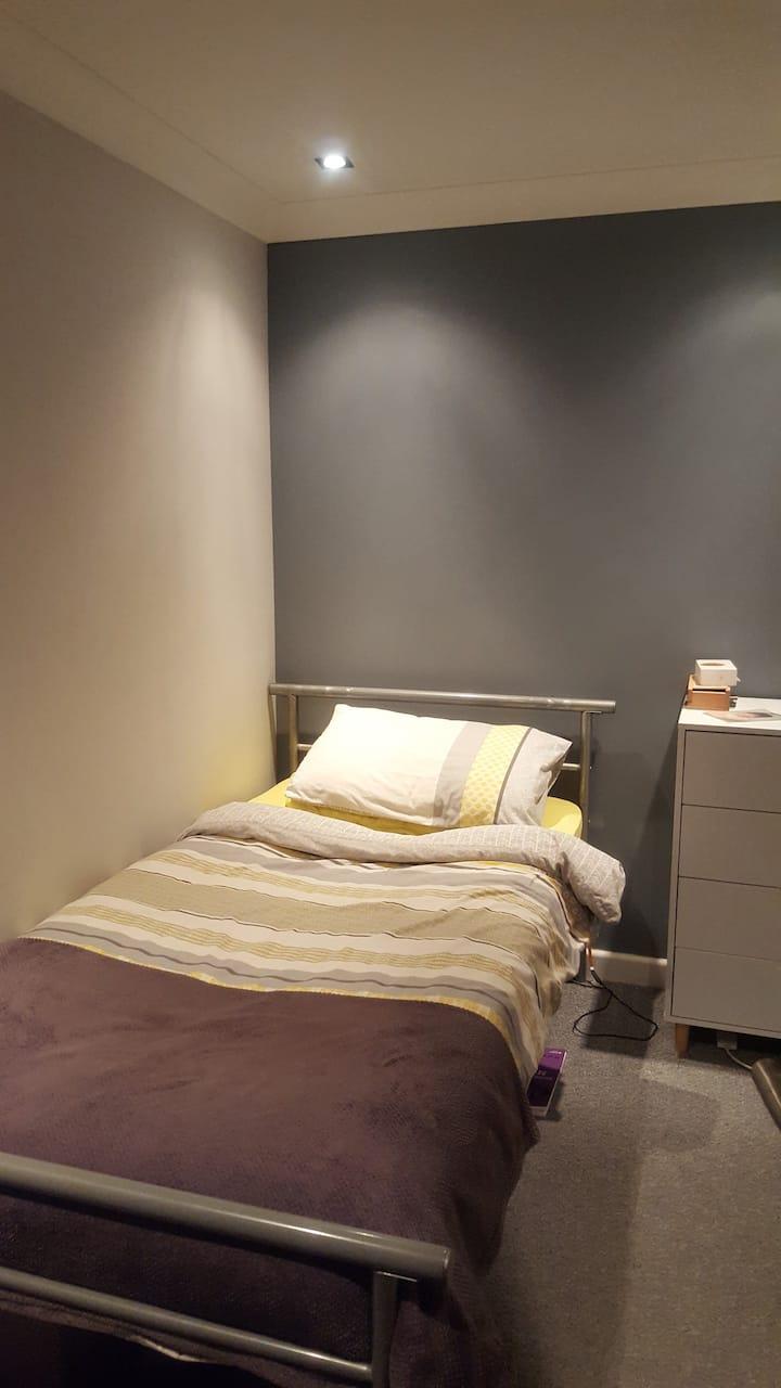 Single room close to city centre