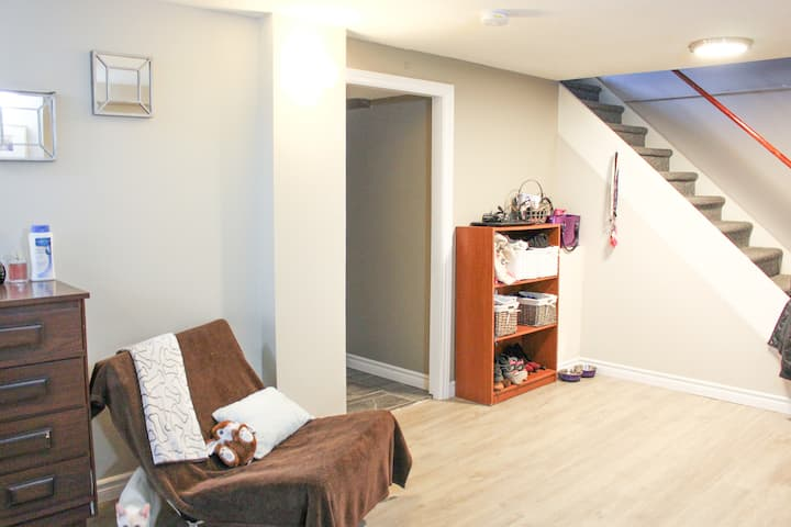 Cozy Room with Double Bed by Fanshawe College