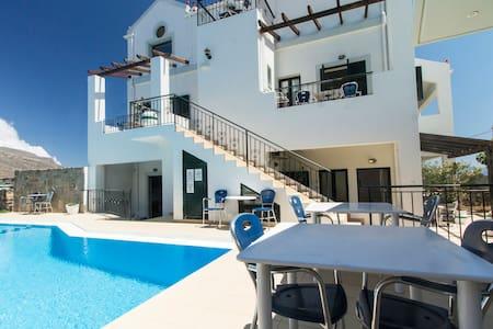 Maisonette Attic, Sea Views, Near Balos-Falasarna - Apartamento