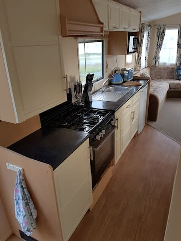 Modern Caravan Set In Tranquility - Bude - Other