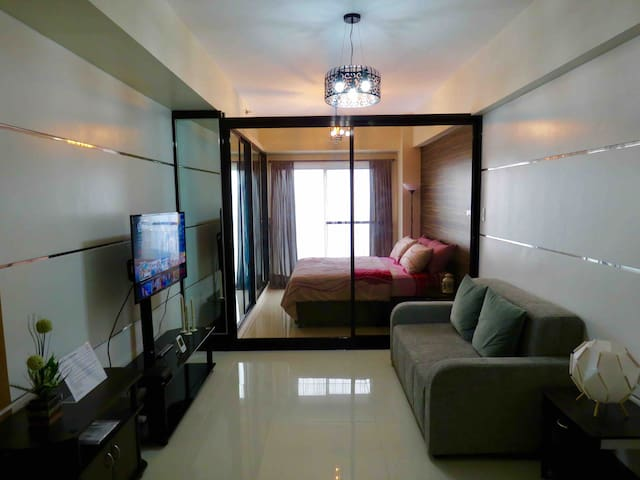 Minimalist style condo in Tagaytay with Taal view