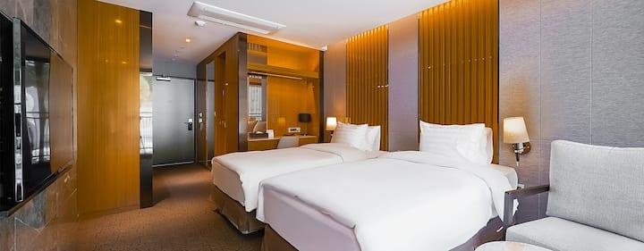 인투라온 호텔 발코니 트윈