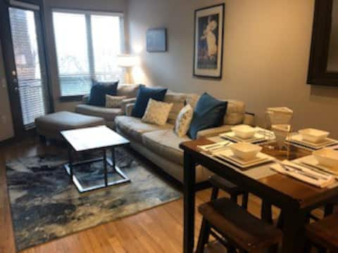 Design District One Bedroom Close to Downtown
