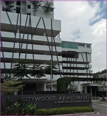 Johor Bahru BRAND NEW Condo Home-Stay with Seaview