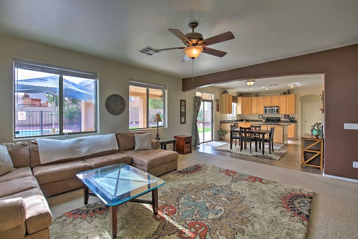 Luxury Phoenix Area Home w/Pool, Patio & Billiards