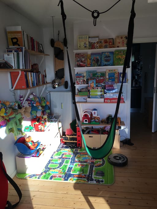 Playarea in the living room :) whit two swings