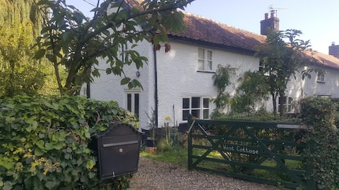 West Cottage Cosy Bedsit Stay.