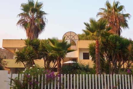 Appartamento nei luoghi di Montalbano - Punta Braccetto