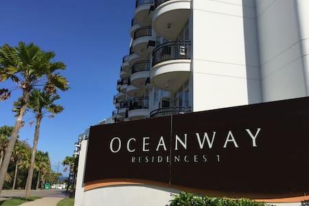 1 Bedroom Condominium with Sea View - 4 Pax Max