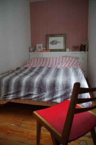 Chambre séparée : draps fournis