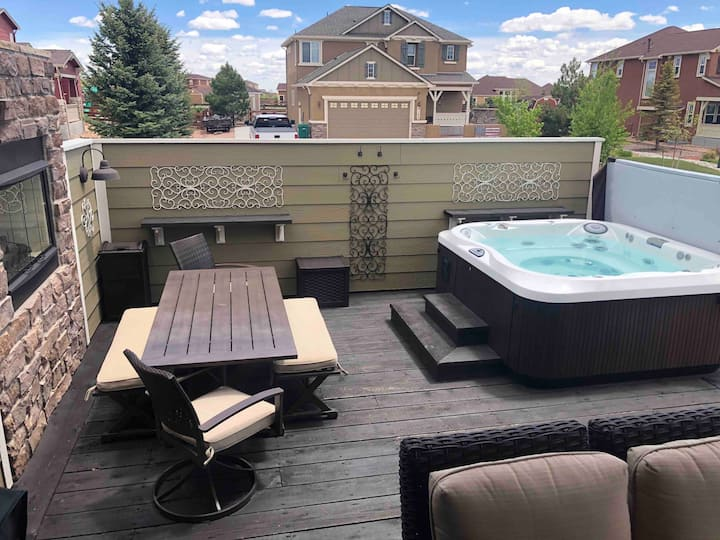 Outdoor Oasis - Private Pool, Hot Tub & Game Room