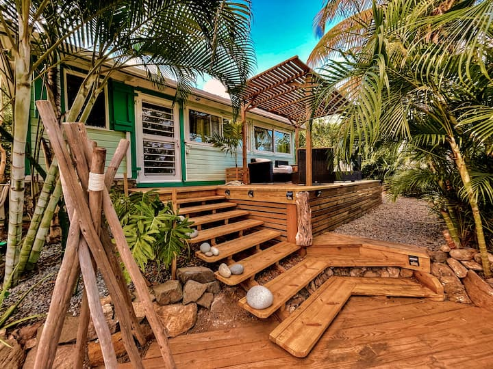 Jungle Cottage Orient Bay, Charming and authentic