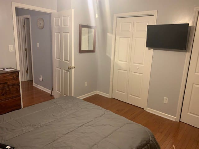 One Bedroom with private Bathroom. Triad area.