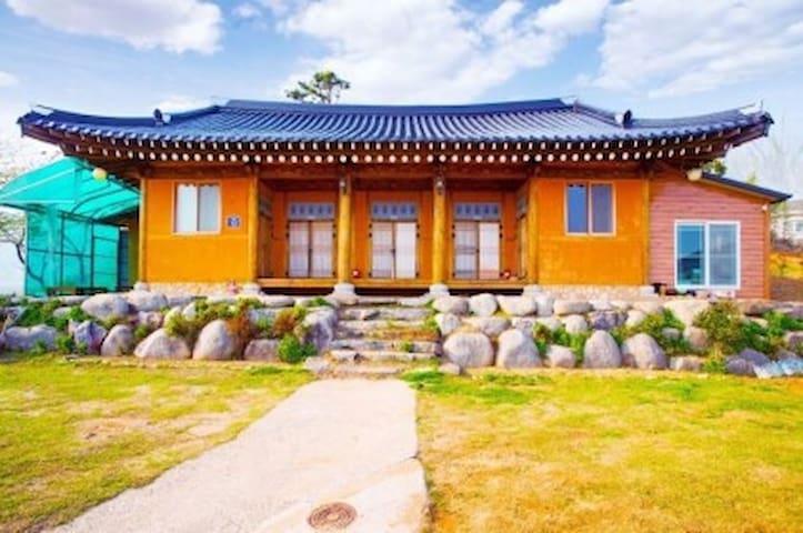 [한옥독채🤗10인단체]보성 정원 한옥스테이, 가족여행 커플모임 동창회 성수기추가요금X‼️