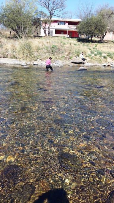 acceso al rio