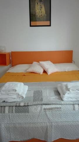 Beautiful Double Room Bologna - Cà Dé Fabbri - Flat