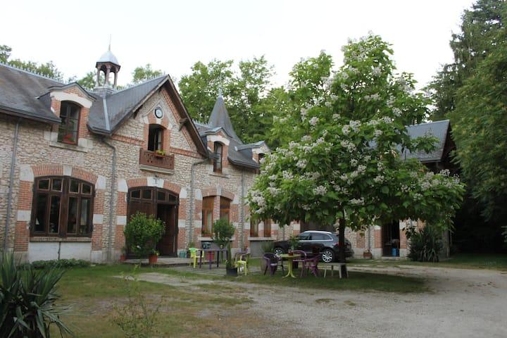 Private Loft in the Commons of Vignelles's Castle