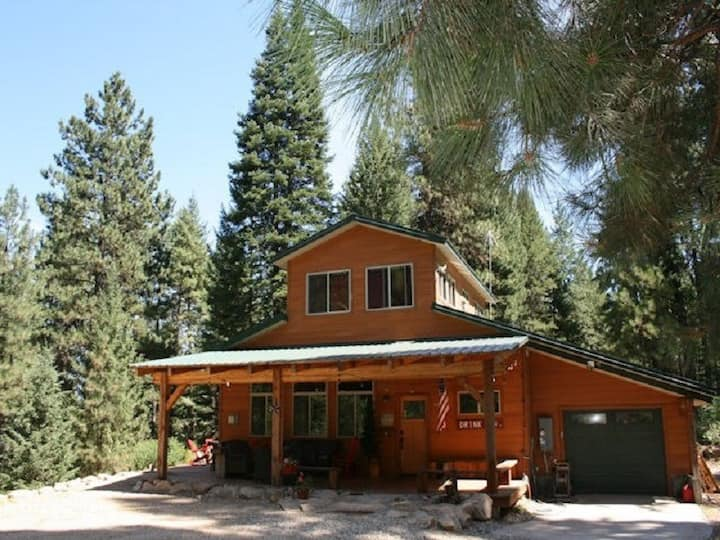 Shadow Pines Cabin - Handicapped Accessible