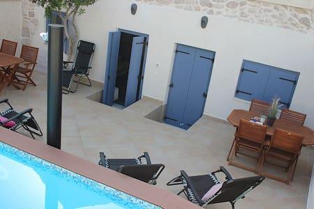 Luxurious stone villa with private pool - Vinjerac