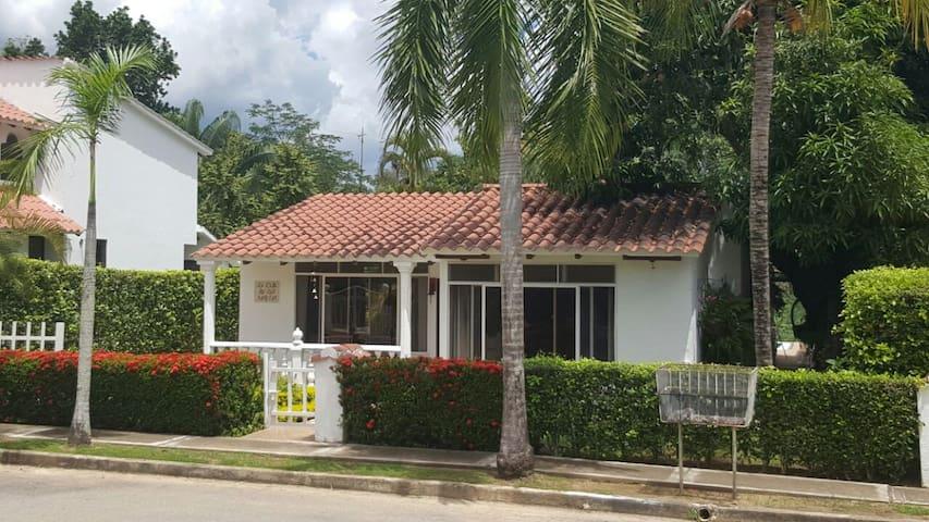 Casa Condominio Hacienda la Estancia - Melgar - House
