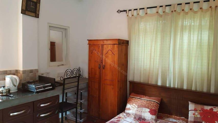 TOPAZ-Fully furnished studio apartment in Nugegoda
