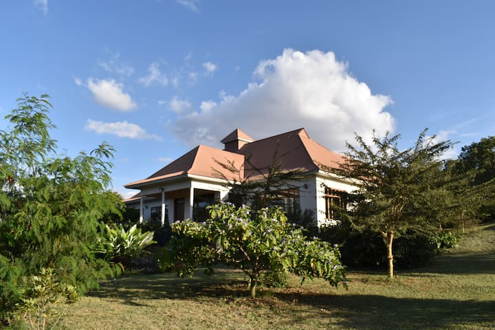 The House of Tembo - a villa with incredible views