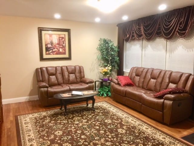 New! Close to BWI, Baltimore, Annapolis, DC.