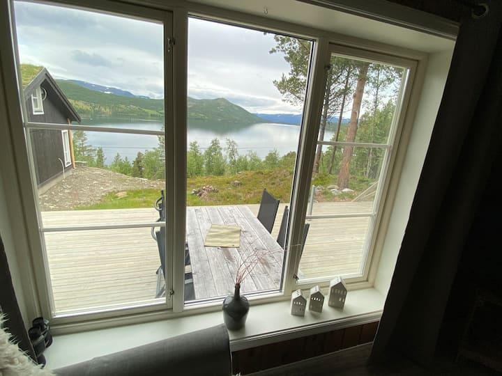 Hytte med fantastisk utsikt Lemonsjøen