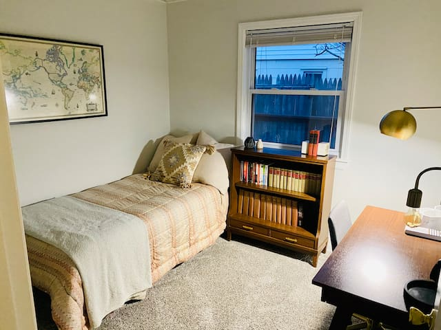 Second bedroom/office with trundle twin bed.