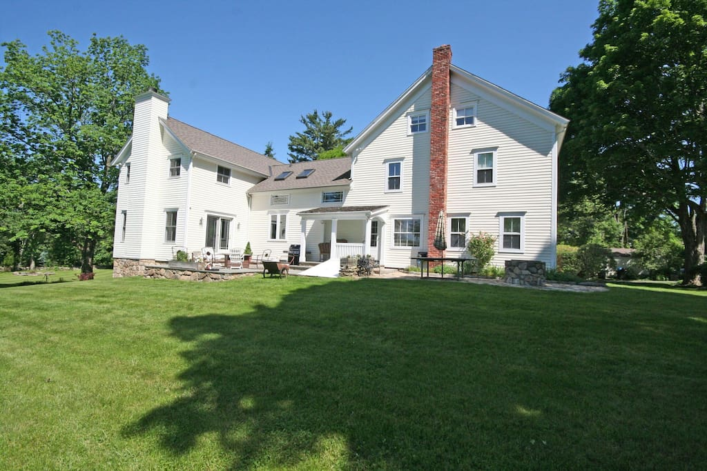 Elegant country estate houses for rent in newtown for Elegant country homes