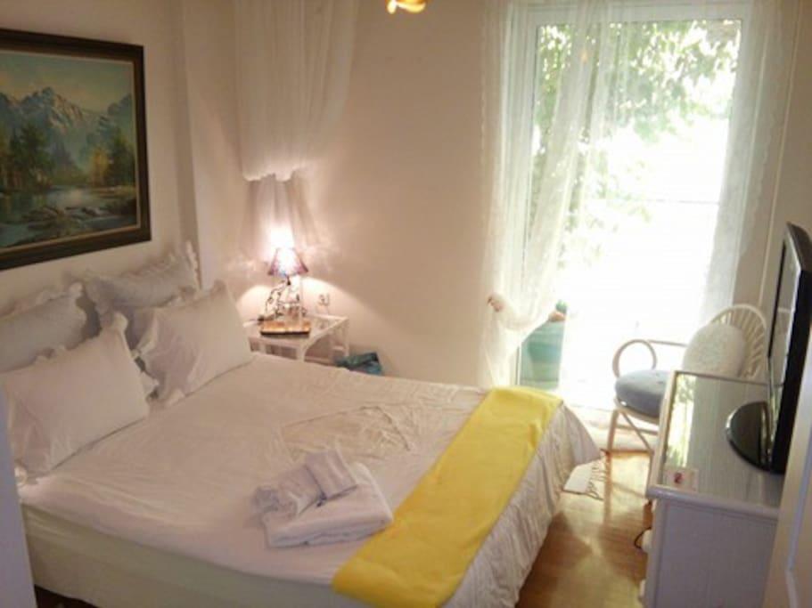 Sunny bedroom....