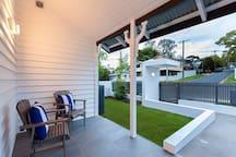 Font porch