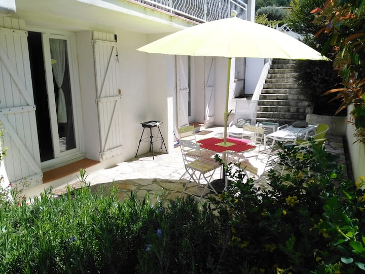 Rez de villa+terrasse Ceyreste,près de la Ciotat