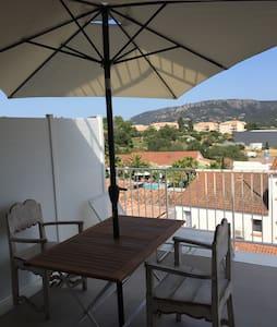Studio avec terrasse en centre ville porto-vecchio