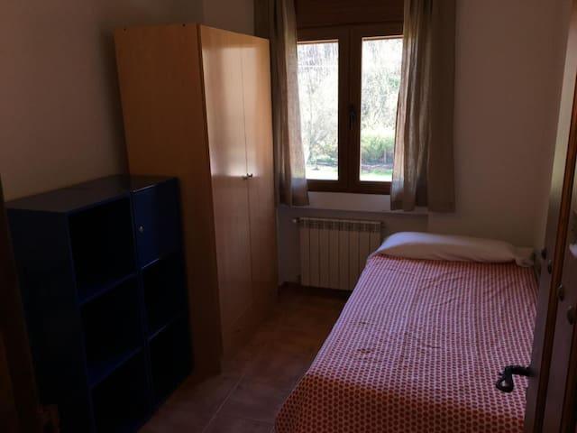 Hostel El Lago Caceres - Habitación Económica Dos camas  - Tarifa estandar