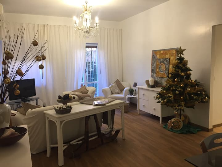 Lovely New 5 people apartment Rome