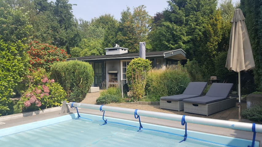 Guesthouse with sauna and pool