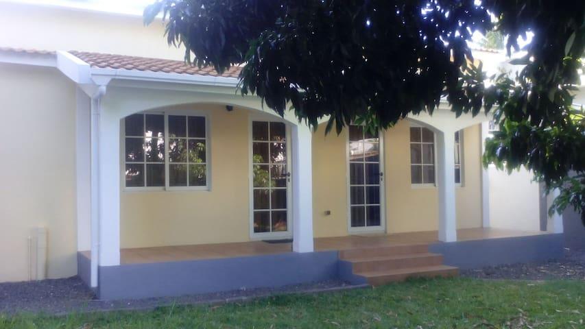 Villa indépendante Proche Plage - Flic en Flac - Hus