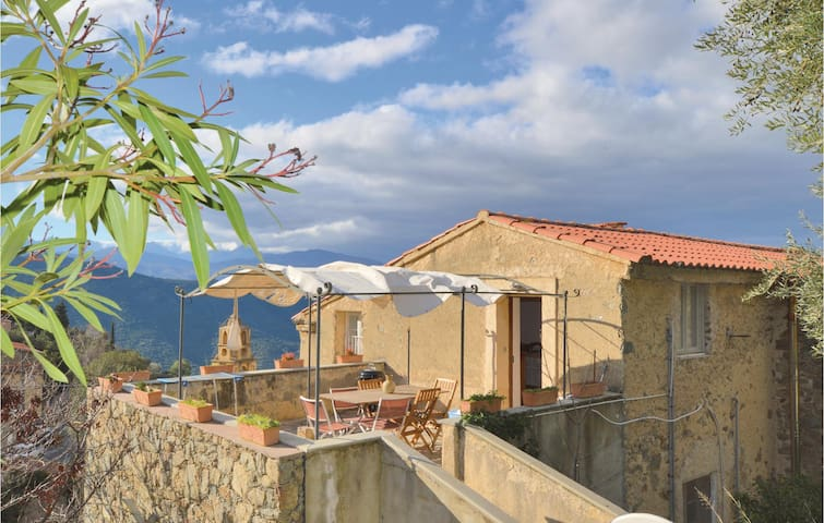 Holiday apartment with 3 bedrooms on 90m² in Lama