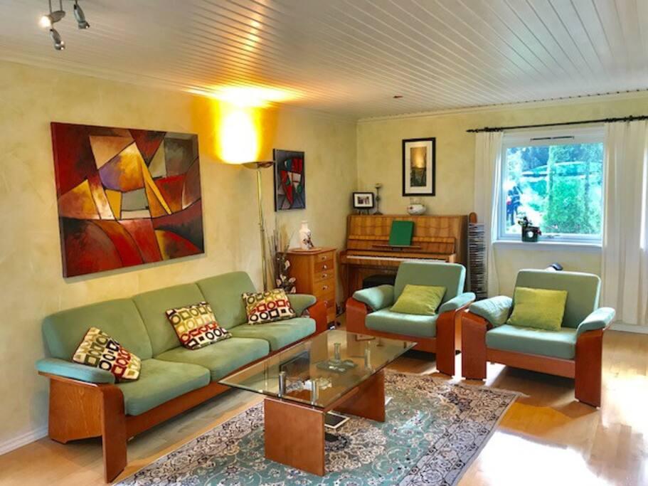 Livingroom with piano