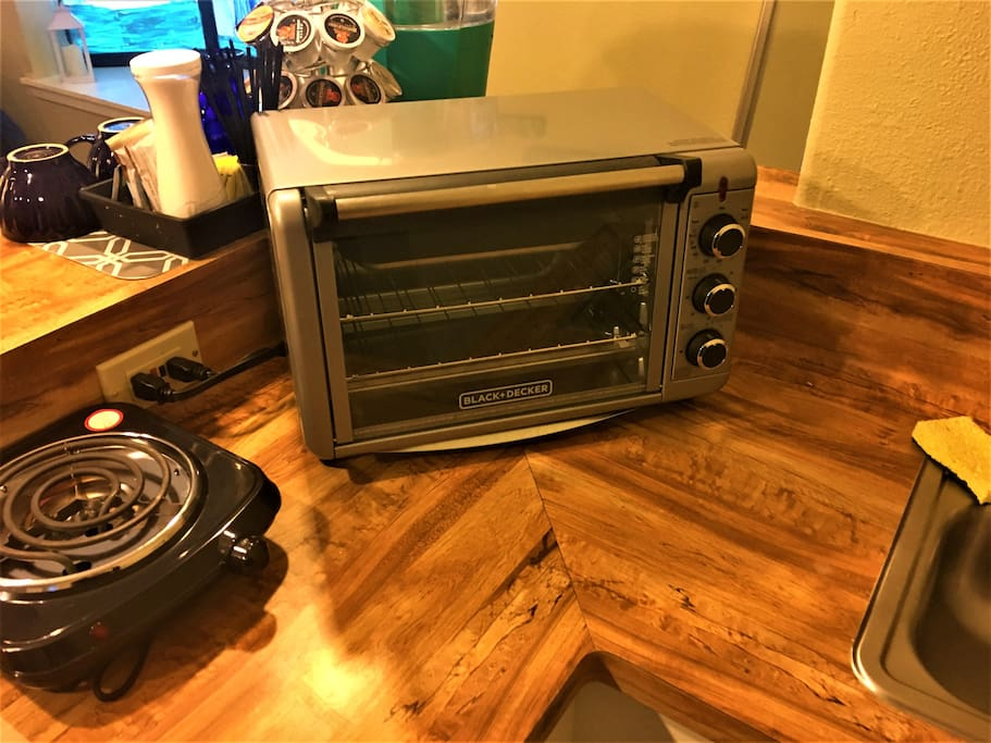 Toaster oven and hot plate.