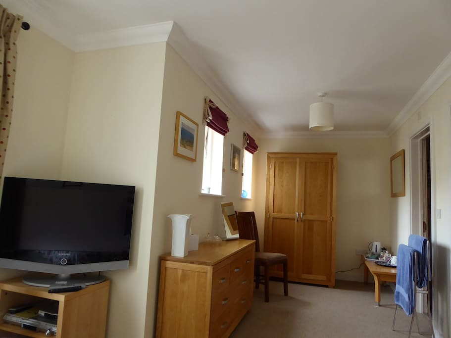 Guest bedroom with freeview TV