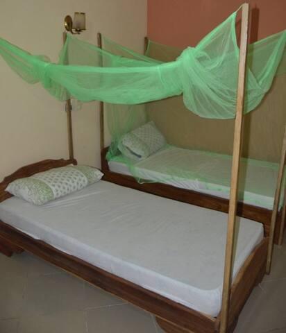 Centre BTA - Abomey Calavi - Bed & Breakfast