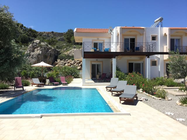 Luxury villa - large private pool - Afantou