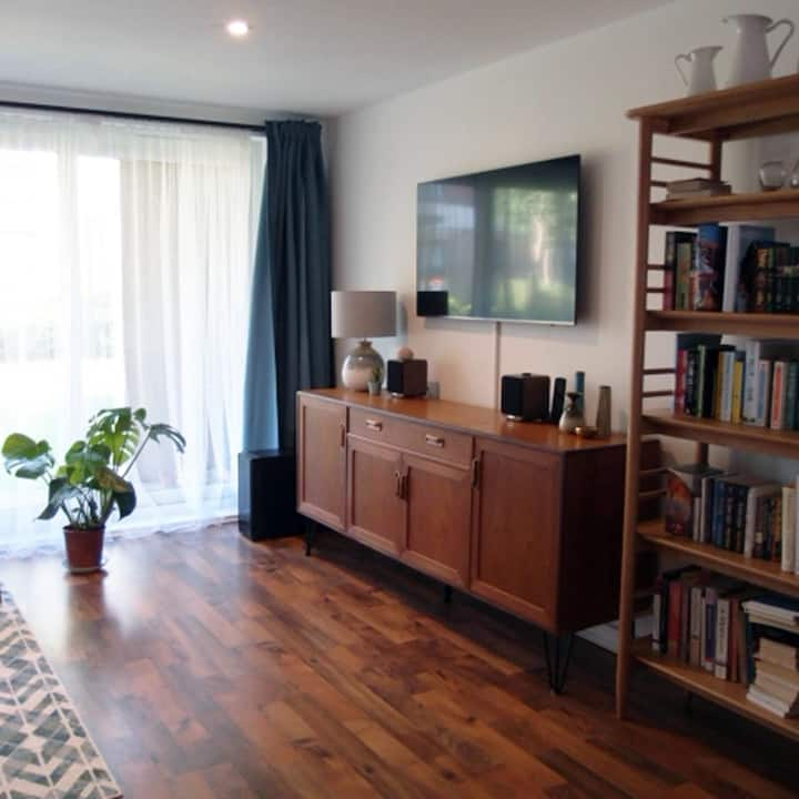 Clean & Quiet Private Bed and Bath / Free Parking