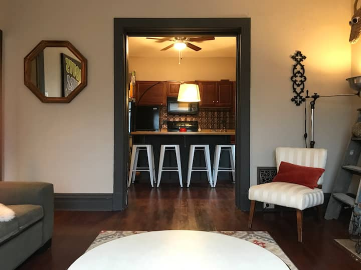 Urban 3 bedroom close to the city ❤️ w/laundry