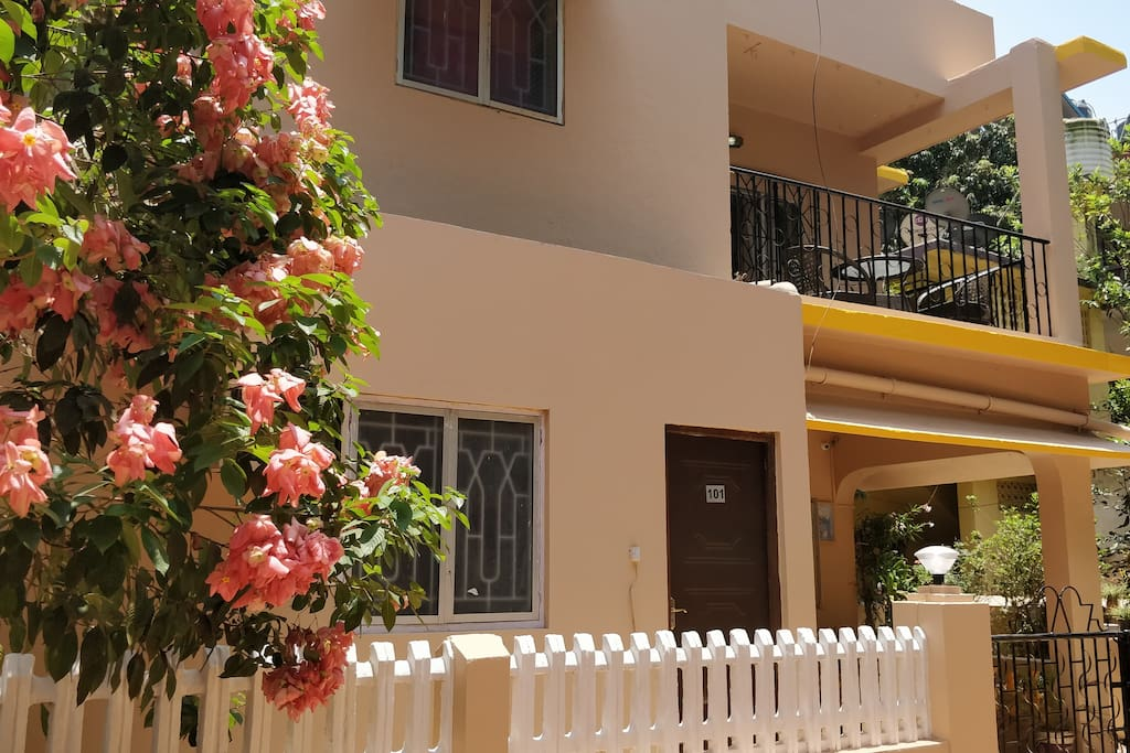 Villa Frontage