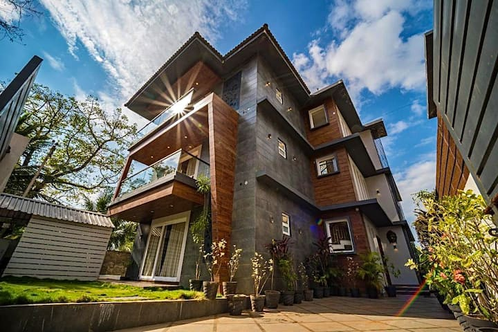 Luxurious Arth 5BHK Villa with 2 Pvt Pool |EKOSTAY