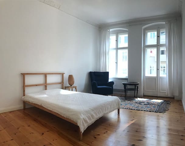 Beautiful room in trendy part of Friedrichshain